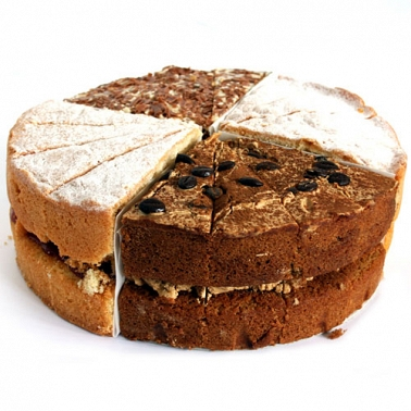 Traditional 4 Sharing Sponge cake delivery to UK