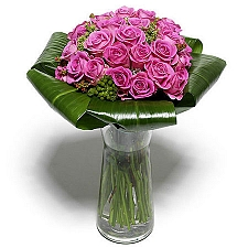 Stunning Pink Roses delivery to Colombia