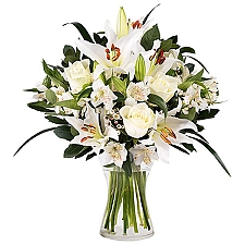 Innocent Love Flowers Delivery to Belarus