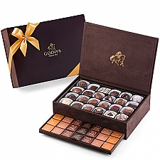 Godiva Royal Gift Box Large, 94 pcs delivery to Poland