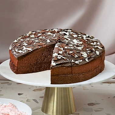 Chocolate Cake Delivery to UK