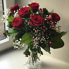 6 Red Roses Bouquet Delivery UK