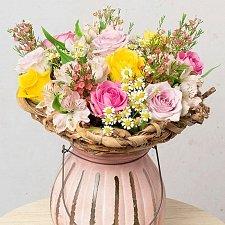 Spring Roses delivery UK