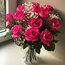 12 Pink Roses Delivery UK