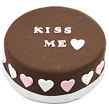 Kiss Heart Cake delivery UK