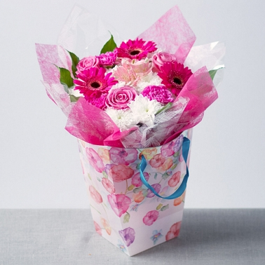 Simply Pink Gift Bag delivery to UK [United Kingdom]