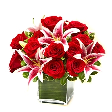 Rose and Lily cube Bouquet Delivery to UAE