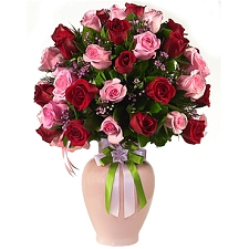 Shades of Pink And Red Roses Delivery to UAE
