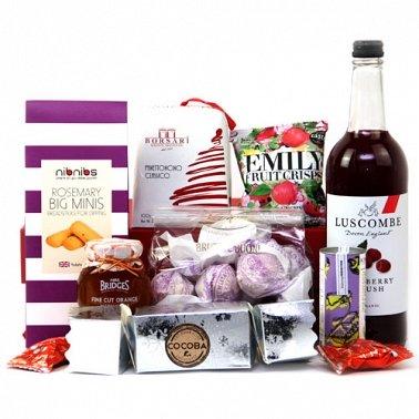 Holiday Treats Hamper delivery UK