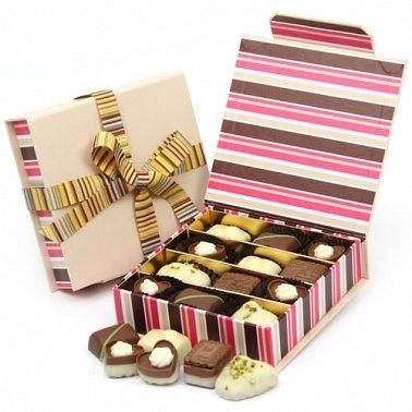 Chocolate Pralines Gift Box