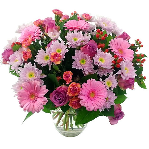 Sweet Mothers Day Bouquet delivery to UK