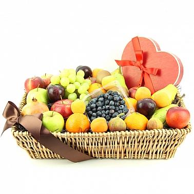 Heartfelt Chocolates Fruit Basket delivery to UK [United Kingdom]