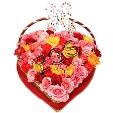 Mix Roses Heart Basket